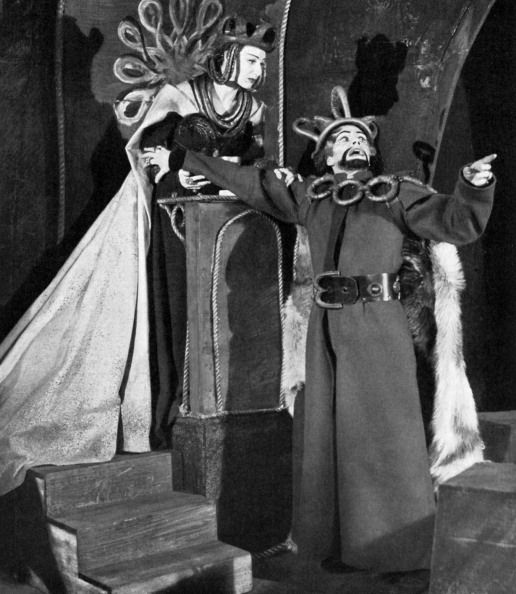 Laurence Olivier as Macbeth and Judith Anderson as Lady Macbeth in Shakespeare's tragedy, produced by Michael Saint-Denis at the Old Vic, 1937/8. Description from gettyimages.com. I searched for this on bing.com/images