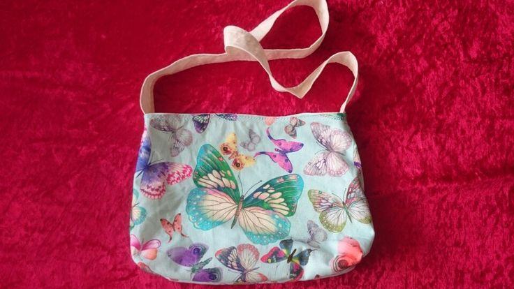 Umhängetasche für Kinder mit tollen Schmetterlingen