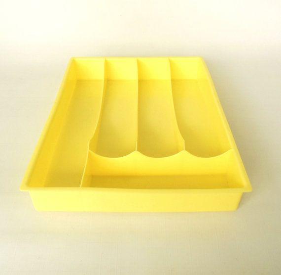 Yellow Kitchen Storage: Best 25+ Pale Yellow Kitchens Ideas On Pinterest