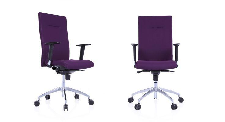 Player to ergonomiczne krzesło, które zapewnia wysoki komfort siedzenia - nawet przez cały dzień. Dzięki licznym regulacjom można je dopasować do upodobań i gabarytów każdego użytkownika. Największą jednak zaletą tego krzesła jest wysoka trwałość i ponadczasowy design. #kleiber #lobos #krzesło #biuro #meblebiurowe #meble #furniture #work #design #chair #wnętrza