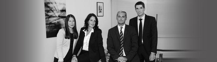 L'avocat Paris est prêt  à vous garantir une assistance efficace quel que soit le genre de votre problème. Il est à la fois votre conseiller et votre défenseur en cas d'action devant la justice. Il suffit de le contacter pour avoir plus d'informations.
