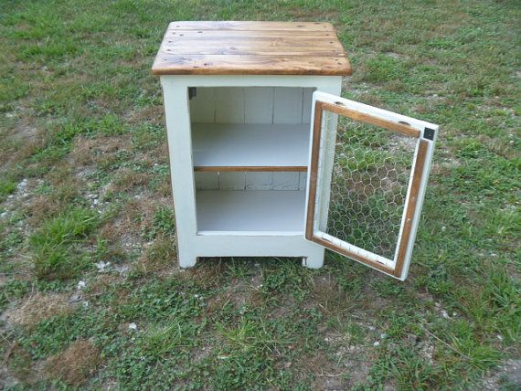 Reclaimed pallet wood white end table di UpTheCreekRustic su Etsy