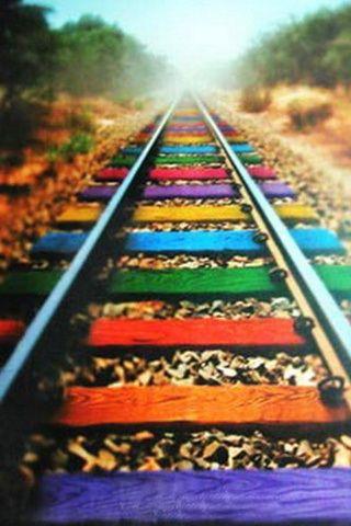 Hay personas por la q perderías el tren por un solo beso. Y trenes en los q montarías por exactamente lo mismo Y es precioso @Defreds