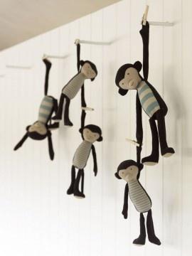 baileys by mail | kids.....Cute hanging monkeys!!