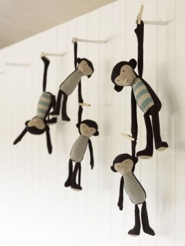 baileys by mail | kids.....Cute hanging monkeys!!