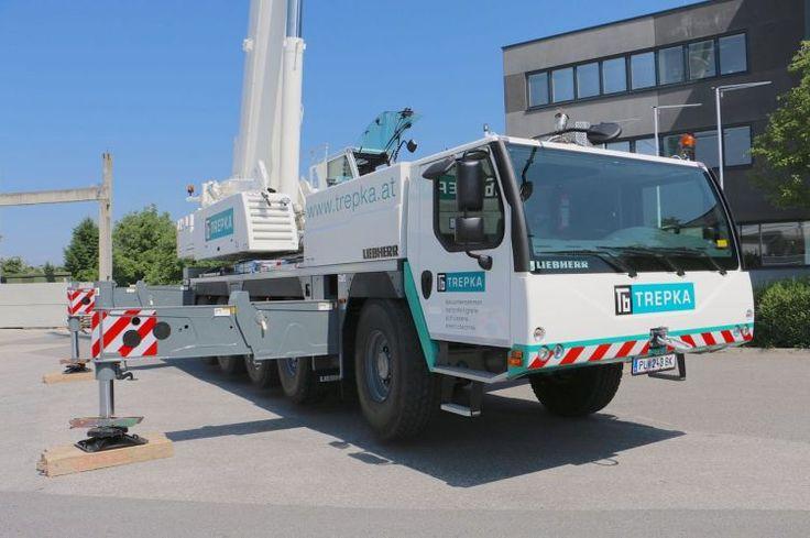 Liebherr delivers 1000th LTM 1130-5.1 to Austrian construction contractor Trepka