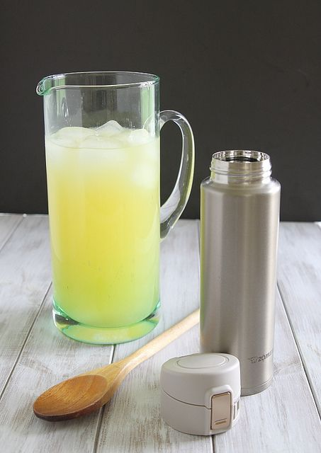 HOW TO MAKE A HOMEMADE SPORTS DRINK