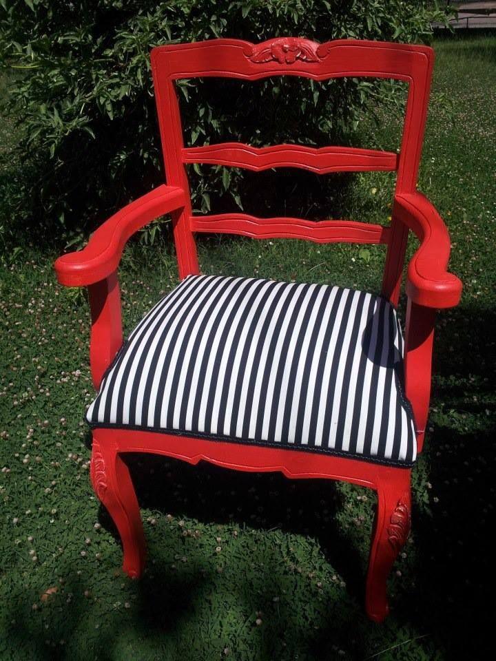 comensal Normando! Valor de la sillas: 85.000 C/U Colores y tapices a tu elección Numero: + 569 75799591 Correo: mueblesdeco1@gmail.com https://www.facebook.com/Mueblesdecochile1
