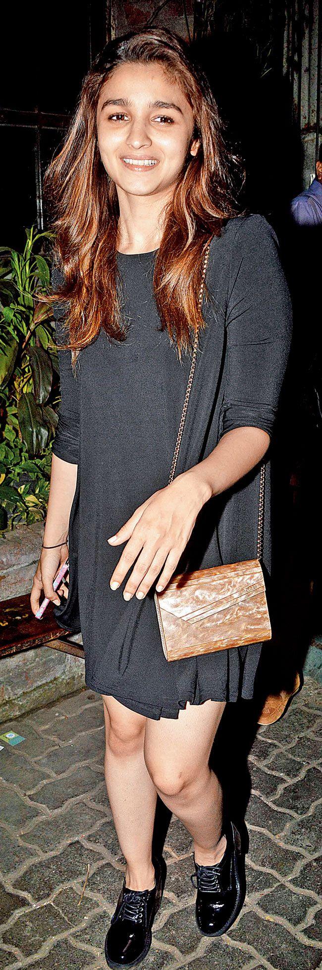 Alia Bhatt at Andheri. #Bollywood #Fashion #Style #Beauty