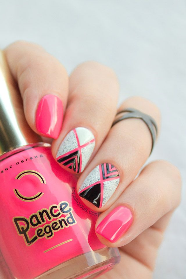 Neon pink nails with geometric pattern. Click for manicure details. #nailart #pinknails #geopattern
