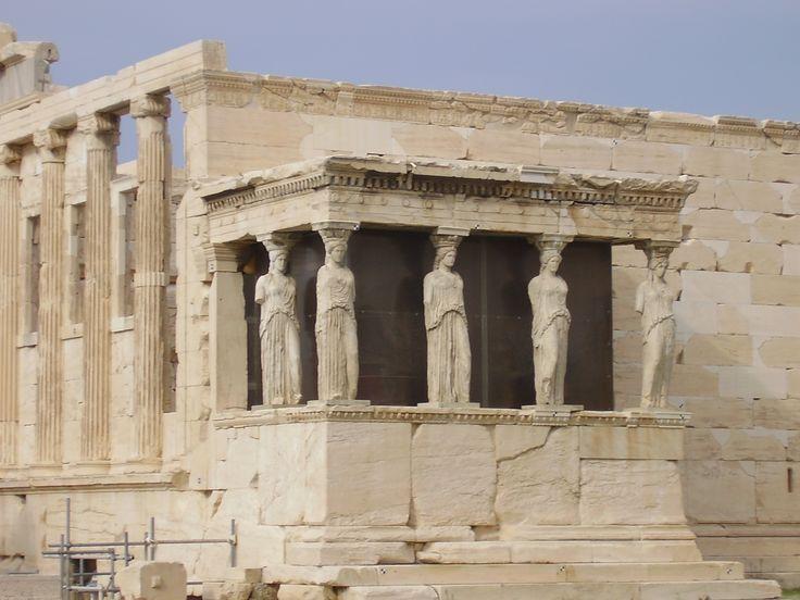 5 motivos para visitar a Acrópole - Mega Roteiros. Dicas dos melhores destinos do mundo A Acrópole, o principal símbolo da cidade de Atenas, atrai milhares de turistas todos os anos, mas se você ainda está em dúvida se vale a pena visitar ou não, vou te dar 5 motivos para não deixar de ir: 1) A Acrópole situa-se em uma colina rochosa a 150 metros acima do nível do mar e oferece ao v...  Leia mais em: http://megaroteiros.com.br/5-motivos-para-visitar-a-acropole/