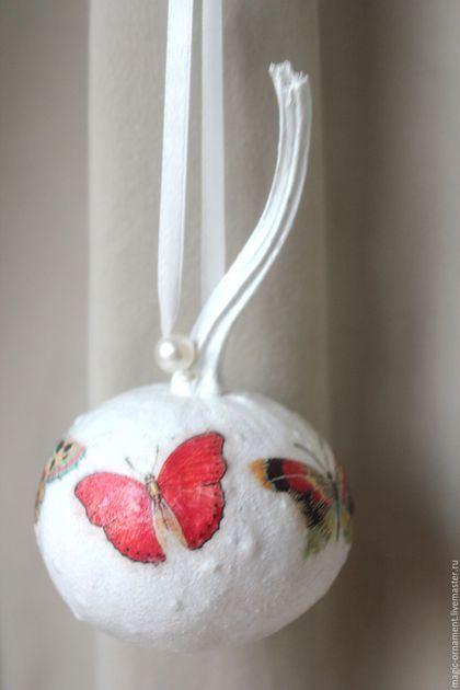 """Новый год 2016 ручной работы. Ярмарка Мастеров - ручная работа. Купить Елочная игрушка из настоящей тыквы """"Бабочки на свет"""". Handmade."""