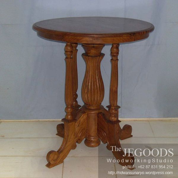 We produce classic colonial side table furniture made of solid teak wood Indonesia. Best traditional #handmade craftsmanship with high quality at affordable price. #teakfurniture #sidetable #furniturefactory #furniturewarehouse #teaktable #colonialfurniture #indonesiafurniture