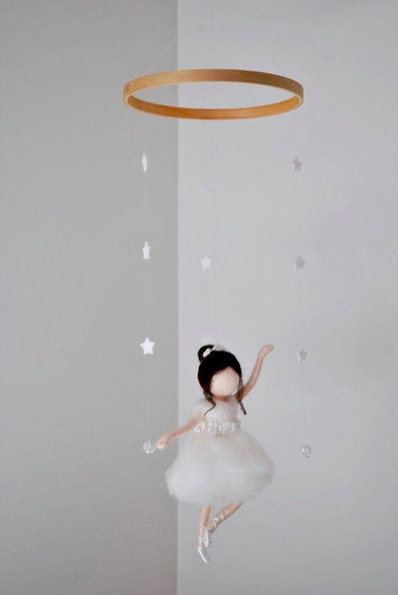 Waldorf ispirato Ago infeltrito bambola mobile: Ballerina in