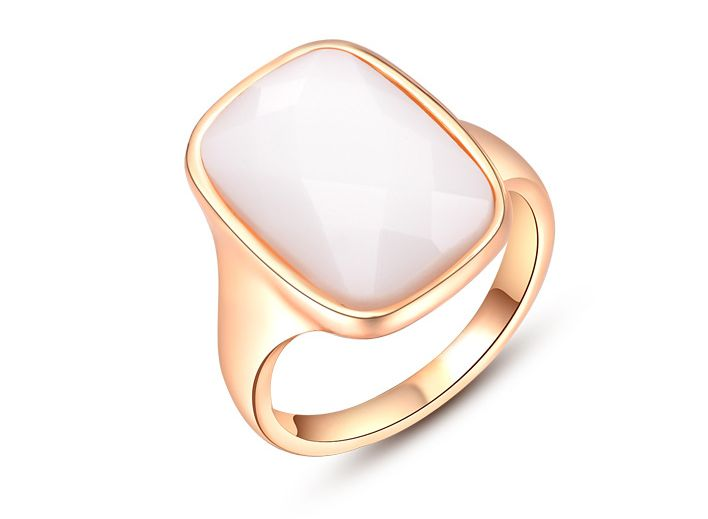 Buy best Vintage Engagement rings for both men and women at cheapest prices at Wedding rings for cheap.