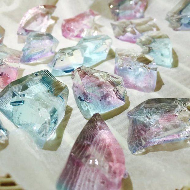 宝石のように美しい石けんがなんとDIYできちゃうんです。プレゼントすれば喜ばれること間違いなし!