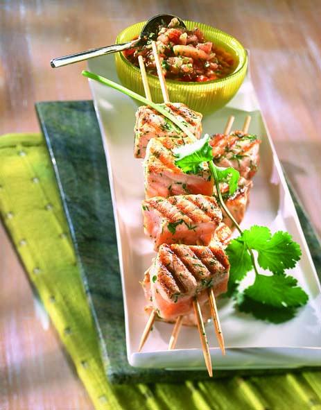 Brochettes de saumon sauce chien cuisine grillades bbq brochettes et plancha pinterest - Sauce pour saumon grille barbecue ...