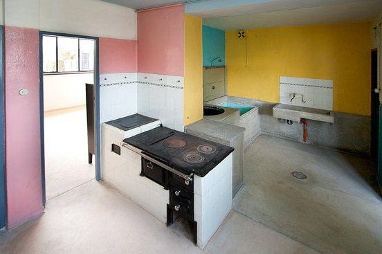 Die besten 25 bauhaus wandfarbe ideen auf pinterest bauhaus farben bauhaus interior und - Bauhaus wandfarbe ...
