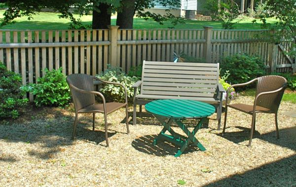 Gravel Sitting Area In Yard Pea Gravel Patios Are