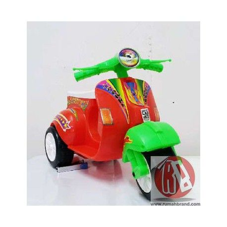 Vespa Mainan (GM-11) @Rp. 110.000,-  http://rumahbrand.com/mainan-anak/1146-vespa-mainan.html