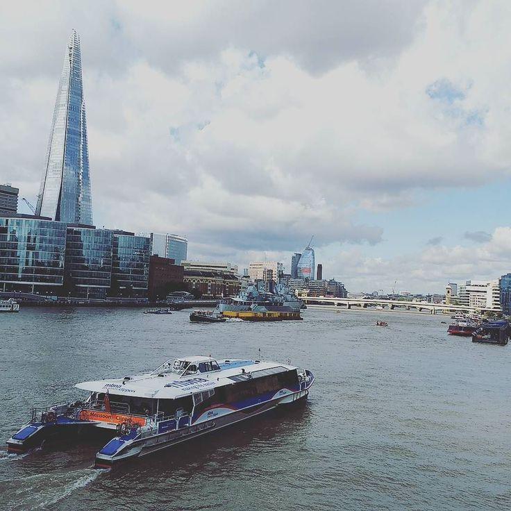 Fluid Forms - Thames riverscape www.couchflyer.com #thames #river #cruise #london #tourism #tourist #cityscape #travel #europe
