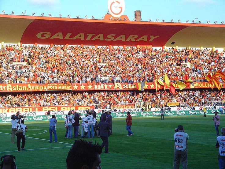 Noticia sobre las apuestas para el primer partido de la fase del Grupo B de la Champions League entre el Galatasaray y el Real Madrid.