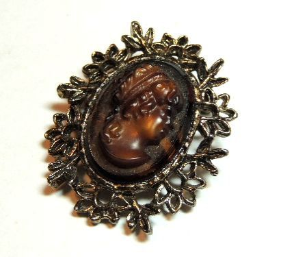 Vintage Cameo Brooch Pin Root Beer Brown Jewelry