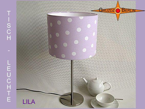 Tischleuchte LILA Ø 20 cm Tischlampe Punkte. Weisse Punkte auf zartem Lila - Fliederfarben. Ist das nicht einfach klasse? Dieses Muster erinnert jeden von uns an etwas anderes aus seiner Vergangenheit und gleichzeitig verbindet es. Bei seinem Anblick fühlt man sich wohl, oder nicht?