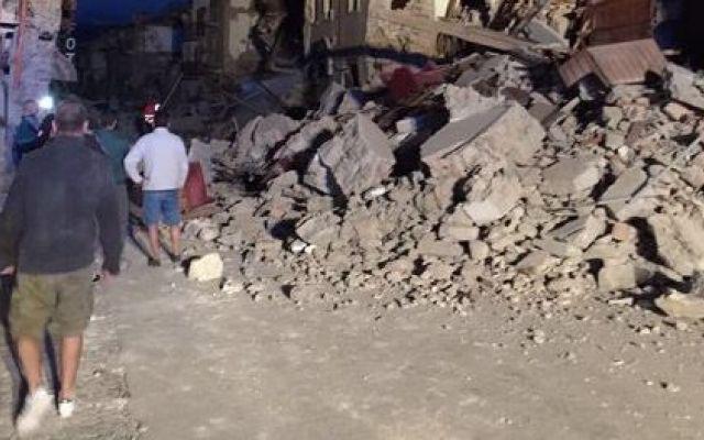 Fortissima scossa di terremoto in provincia di Rieti. Si temono molti morti e feriti #terremoto #rieti