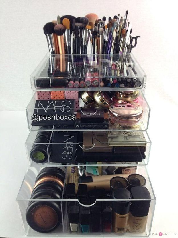 13 Insanely Cool Makeup Organizers | Pinterest Edition | Best makeup brush sets, makeup brush holder, and makeup brush organizers at You?re So Pretty | #youresopretty | youresopretty.com