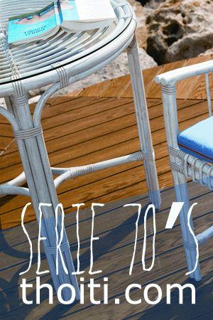 Mesa redonda exterior en aluminio lacado, ultraresistente. Diseño setentero recuperado por la firma Point.