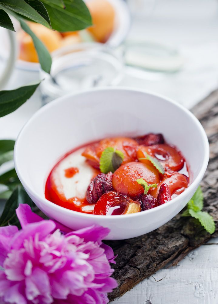 kasza manna z pieczonymi owocami