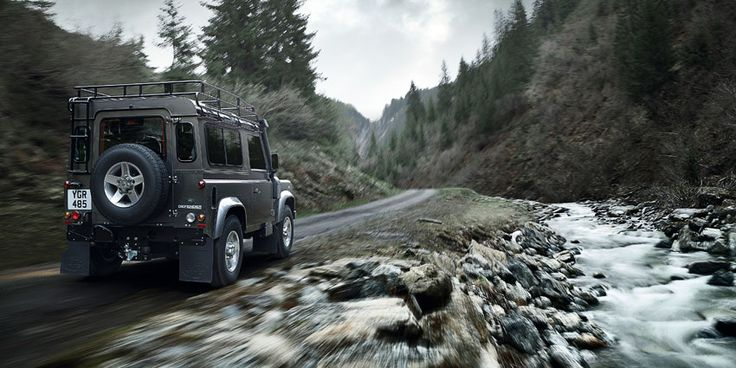 Land Rover Defender : when getting there is not where you want to be.