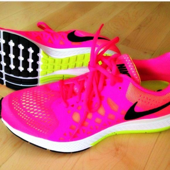 pink nike pegasus NWT Women running pink nike pegasus box included Nike Shoes Sandals