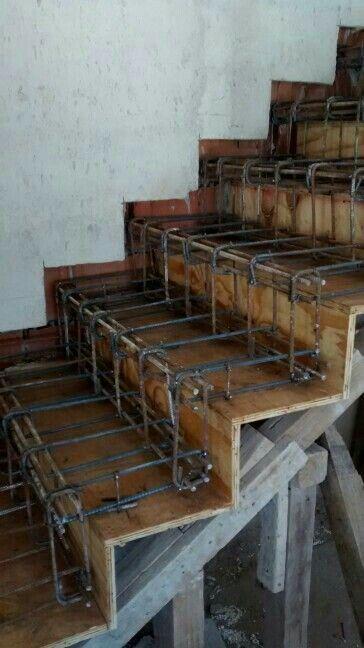 Escadas de concreto reforçadas DIY   – Stairs