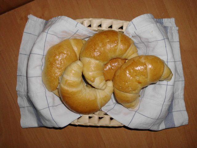 Gotowanie...to proste!: Maślane Rogale Śniadaniowe - Krok po kroku