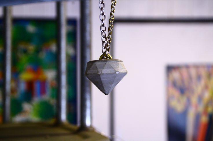 Concrete jewel with chain neklace, Amsterdam shape www.laboratorioframe.com