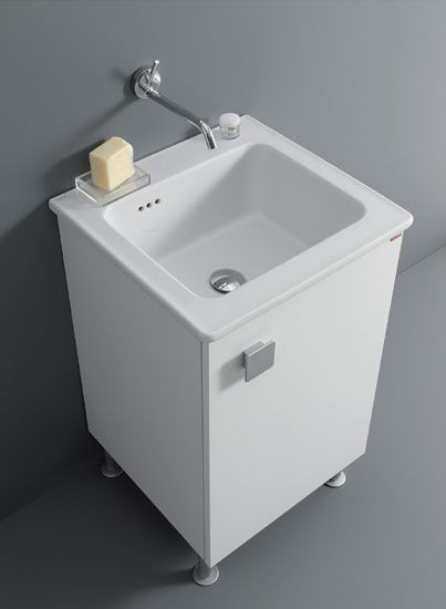 Unit made in V100 18 mm water-repellent laminate faced particleboard, one-panel opening, with slow-motion closing system. Protection bottom panel in aluminium, copper and nickel plated metal hinges with triple mechanism tested for 100 thousand openings/closings, synthetic bracket for mounting the unit to a wall. Ceramic washbasin with Integrated Laundry System (SIL®)