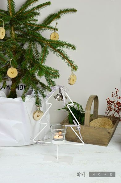 Metal Tree with tea light holder - Christmas Decoration www.em-home.co.uk
