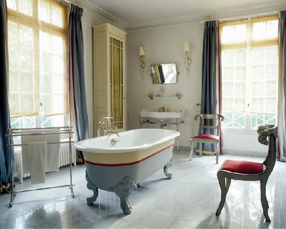 Image Result For A Bathroom In French
