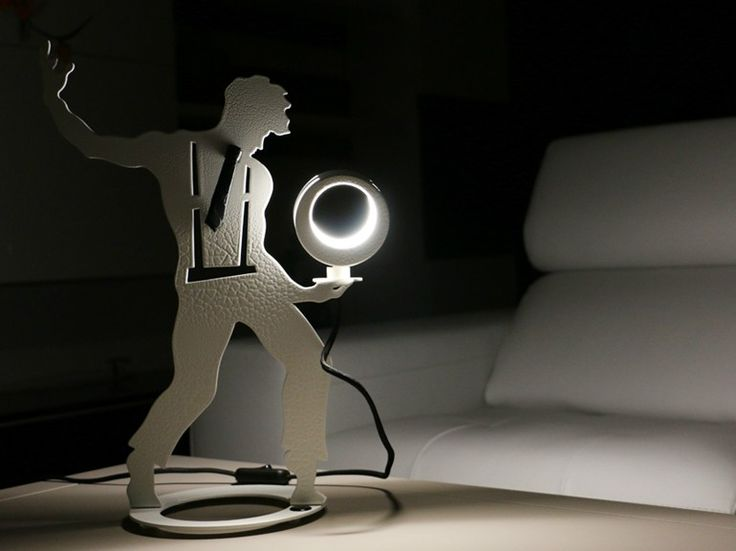 "Lámpara de mesa LED ajustable en acero IGOR ""L' ILLUSIONISTA"" by LOOK LIGHT | diseño maria grazia paternoster"