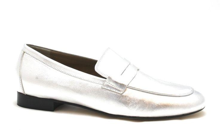 Zilveren metallic loafers van het  merk Toral, model 10644 €129,95 #trend #loafers #metallic #schoenen #shoes #toral