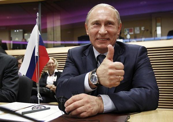 Новости 1996 года: США направила очередной транш гуманитарной помощи в Россию.   Новости 2016 года: Россия вмешивается в ход американских выборов.   И эти дурачки еще спрашивают, почему в России так любят Путина?