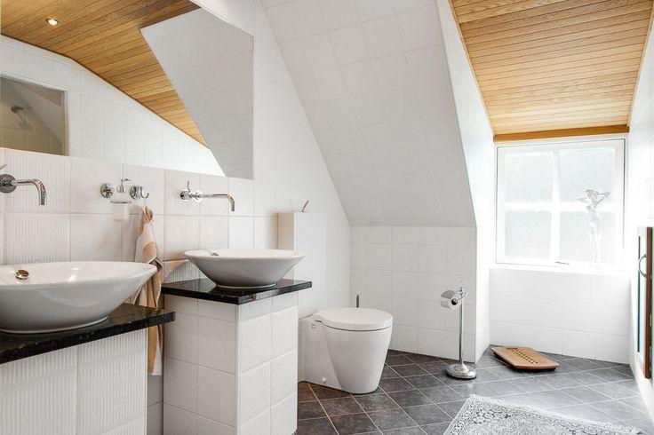 Det här badrummet gillar vi skarpt! - Mahults Herrgård, Halmstad.