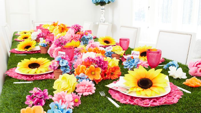 A Blooming Mother: Brunch Decor, Ladies Meeting, Flower Brunch, Themeparti Tablescapes, Meeting Ideas, Mothersday Flower, Mothers Day Fath, Brunch Themeparti, Parties Mothersday
