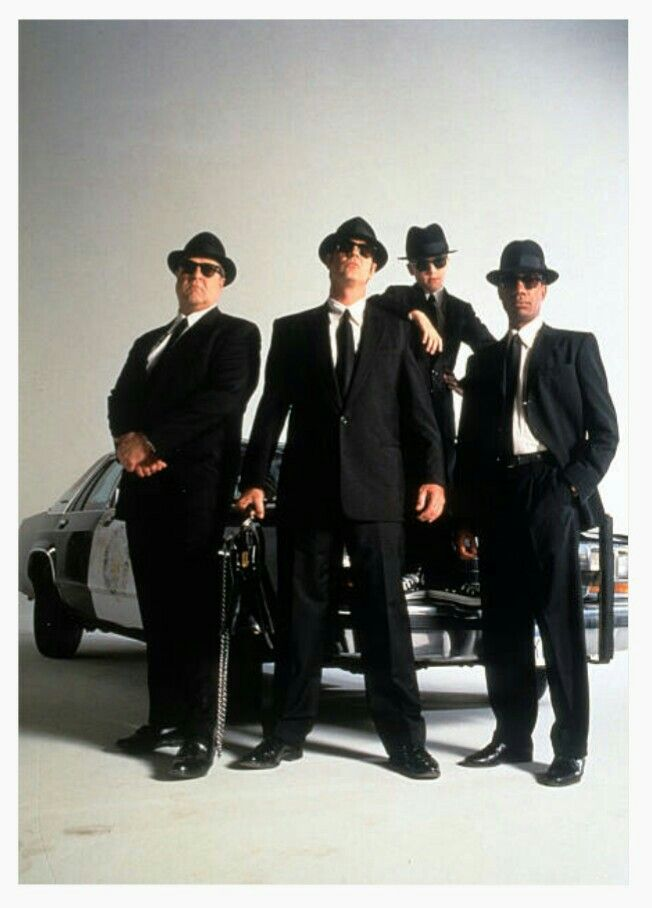 '''.John Goodman & Dan Aykroyd & J Evan Bonifant & Joe Morton , wearing a suit, hat and suglasses in a scene from the film 'Blue Brothers 2000', 1998. (Photo by Universal Pictures/Getty Images)...''' http://www.gettyimages.fr/license/168596741