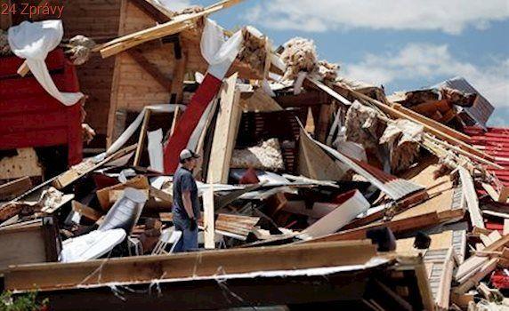 Tornáda a záplavy v Americe si vyžádaly 14 obětí, další desítky lidí jsou zraněny
