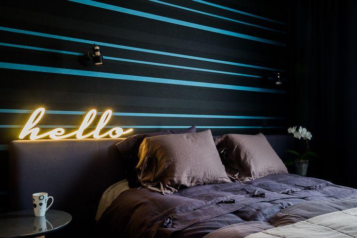 Mieszkanie na Bemowie - sypialnia - tryc.pl #bedroom #bedclothes #linen #wallpaper #neon