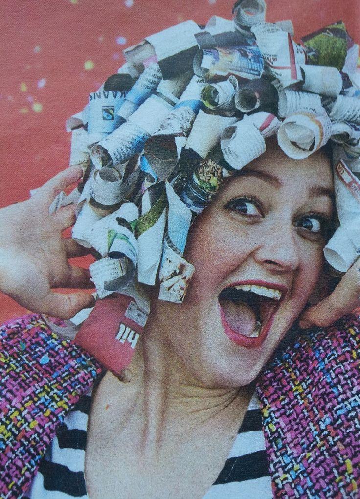 Krullenpruik zelf maken zag ik bij een kennis met Carnaval. Gelukkig was het droog weer en heeft de pruik veel plezier gebracht. Het is een leuk werkje,