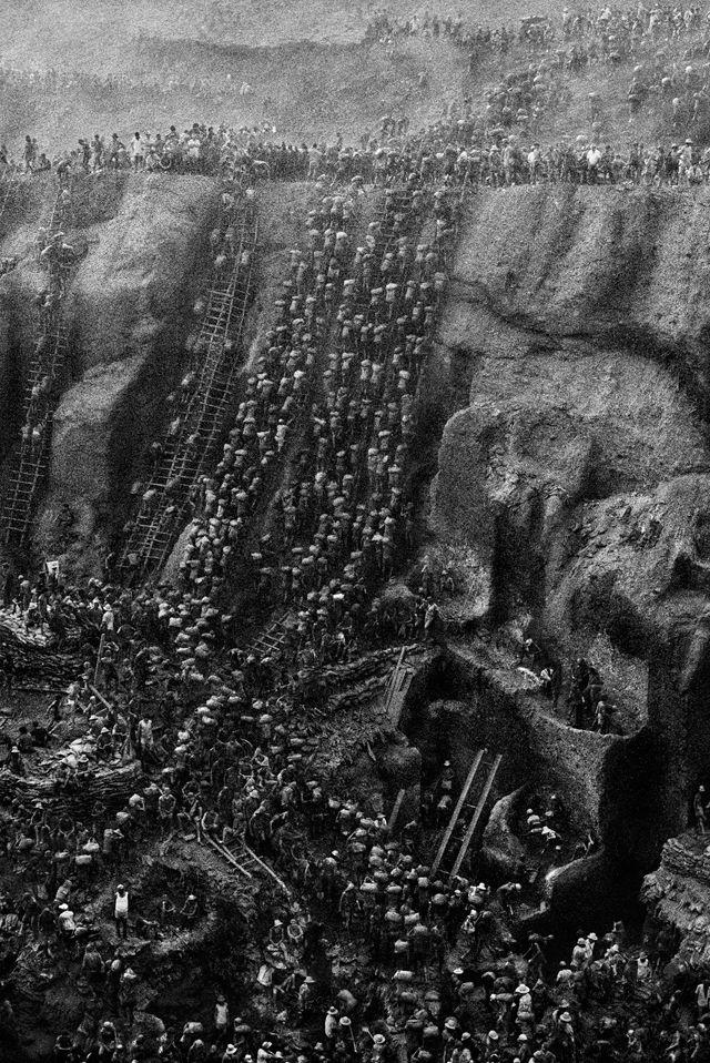 金鉱山, ブラジル 1986 > セバスチャン・サルガド (Sebastião Salgado)
